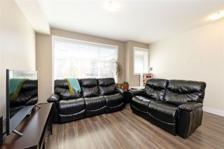 """Photo 3: 15 20967 76 Avenue in Langley: Willoughby Heights Townhouse for sale in """"Nature's Walk"""" : MLS®# R2514471"""