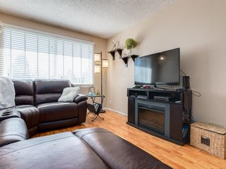 Photo 5: 6131 BEAVER DAM Way NE in Calgary: Thorncliffe House for sale : MLS®# C4184373