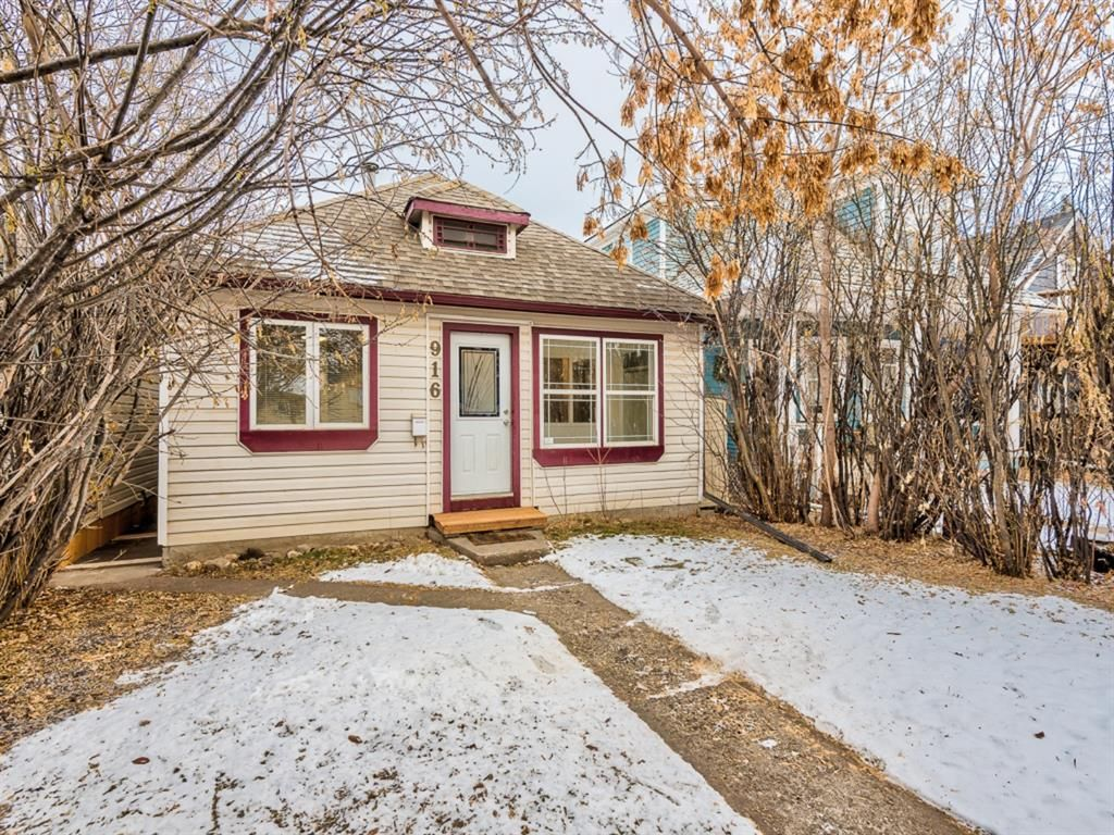 Main Photo: 916 18 Avenue SE in Calgary: Ramsay Detached for sale : MLS®# A1064976