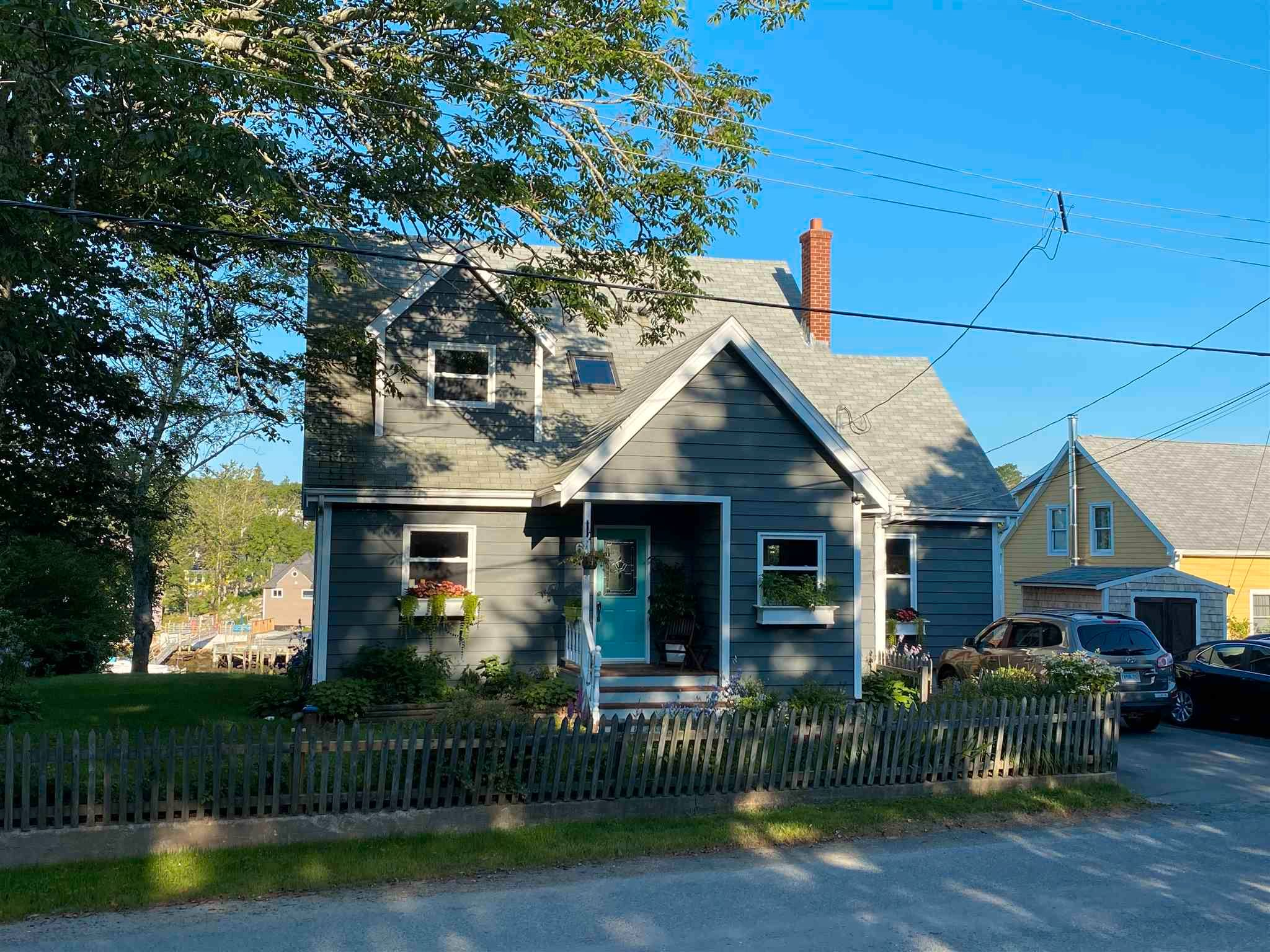 Photo 2: Photos: 63 Shore Road in Herring Cove: 8-Armdale/Purcell`s Cove/Herring Cove Residential for sale (Halifax-Dartmouth)  : MLS®# 202107484