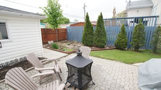 Photo 3: 154 Thom Avenue East in Winnipeg: Transcona Residential for sale (North East Winnipeg)