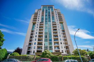 Photo 1: 505 612 FIFTH Avenue in New Westminster: Uptown NW Condo for sale : MLS®# R2590340