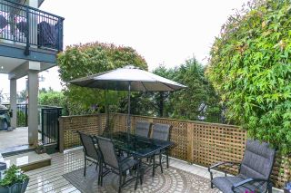 "Photo 18: 201 106 W KINGS Road in North Vancouver: Upper Lonsdale Condo for sale in ""Kings Court"" : MLS®# R2214893"