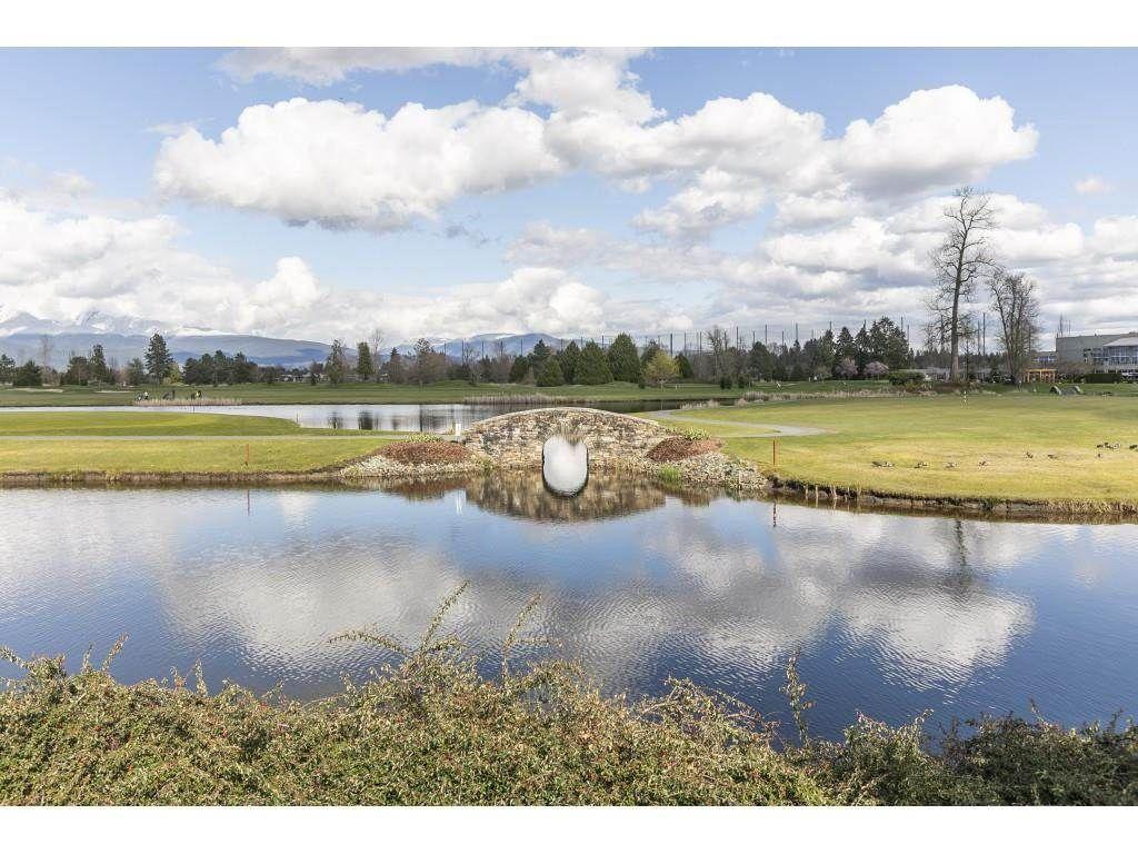 Main Photo: 322 19677 MEADOW GARDENS WAY in Pitt Meadows: North Meadows PI Condo for sale : MLS®# R2573162
