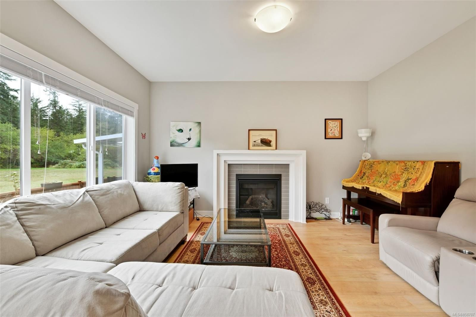 Photo 3: Photos: 1262 McLeod Pl in : La Happy Valley House for sale (Langford)  : MLS®# 858707
