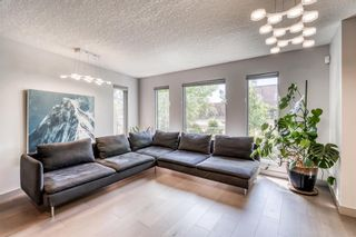 Photo 5: 1770 6 Avenue NW in Calgary: Hillhurst Detached for sale : MLS®# A1118978