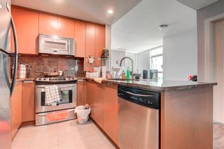 Photo 2: 1805 99 SPRUCE Place SW in Calgary: Spruce Cliff Apartment for sale : MLS®# C4245616