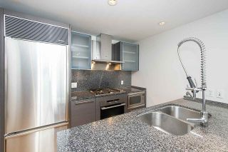 """Photo 4: 2804 1111 ALBERNI Street in Vancouver: West End VW Condo for sale in """"SHANGRI-LA"""" (Vancouver West)  : MLS®# R2514908"""