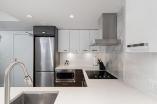 """Photo 18: 909 1783 MANITOBA Street in Vancouver: False Creek Condo for sale in """"RESIDENCES AT WEST"""" (Vancouver West)  : MLS®# R2625180"""