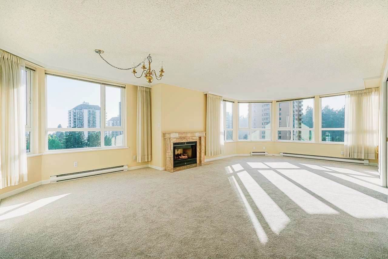 """Main Photo: 903 6152 KATHLEEN Avenue in Burnaby: Metrotown Condo for sale in """"EMBASSY"""" (Burnaby South)  : MLS®# R2506354"""