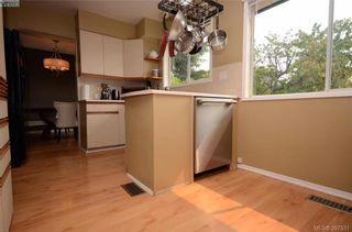 Photo 8: 7787 Wallace Dr in SAANICHTON: CS Saanichton House for sale (Central Saanich)  : MLS®# 795175
