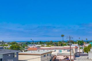 Photo 33: PACIFIC BEACH House for sale : 3 bedrooms : 1653 Chalcedony St in San Diego