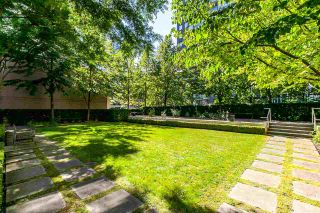 """Photo 2: 1003 RICHARDS Street in Vancouver: Downtown VW Townhouse for sale in """"MIRO"""" (Vancouver West)  : MLS®# R2097525"""