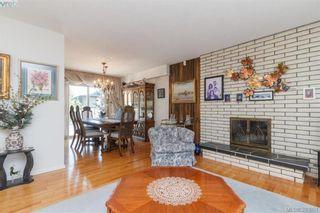 Photo 4: 524 Meredith Cres in VICTORIA: SW Tillicum House for sale (Saanich West)  : MLS®# 789691