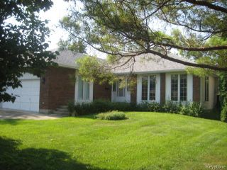 Photo 1: 422 Bonner Avenue in WINNIPEG: North Kildonan Residential for sale (North East Winnipeg)  : MLS®# 1529206