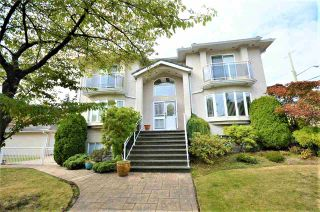 Photo 1: 7233 WAVERLEY Avenue in Burnaby: Metrotown House for sale (Burnaby South)  : MLS®# R2500474