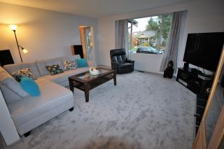 Photo 2: 1019 LONDON Street in New Westminster: Moody Park House for sale : MLS®# R2208960