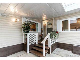 Photo 2: 123 7701 Central Saanich Rd in SAANICHTON: CS Saanichton Manufactured Home for sale (Central Saanich)  : MLS®# 687804