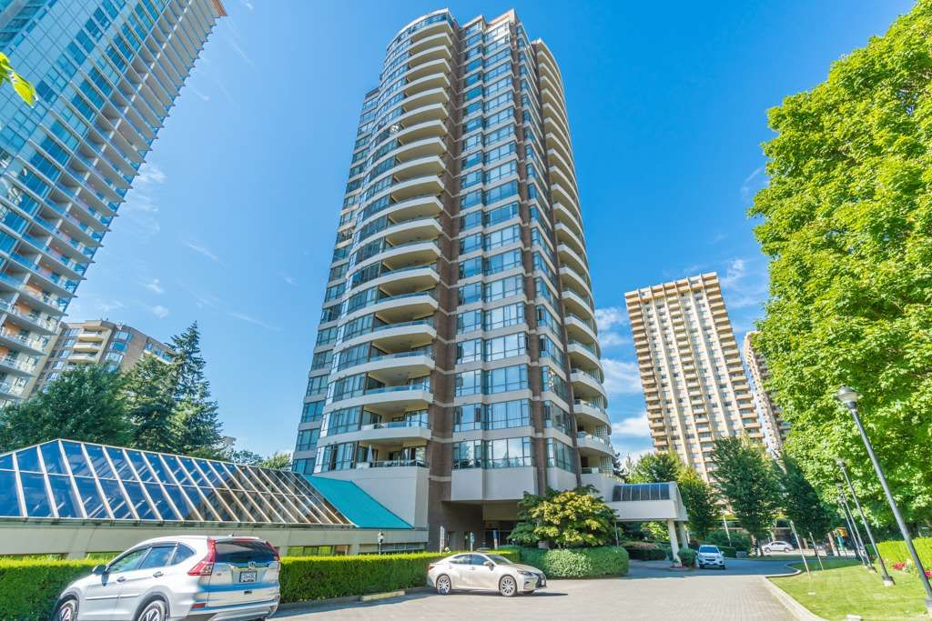 """Main Photo: 404 5885 OLIVE Avenue in Burnaby: Metrotown Condo for sale in """"THE MERTOPOLITAN"""" (Burnaby South)  : MLS®# R2184579"""