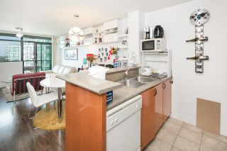 "Photo 4: 1002 2763 CHANDLERY Place in Vancouver: Fraserview VE Condo for sale in ""RIVER DANCE"" (Vancouver East)  : MLS®# R2095895"