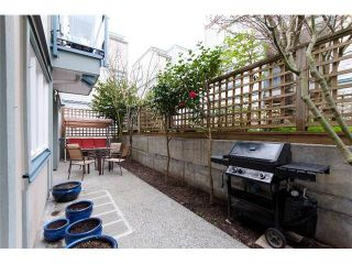 """Photo 8: 2259 ASH Street in Vancouver: Fairview VW Condo for sale in """"THE COURTYARDS"""" (Vancouver West)  : MLS®# V966973"""