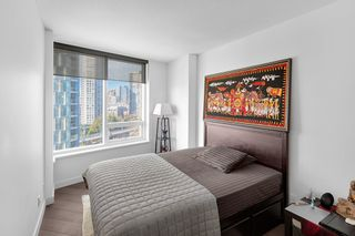"""Photo 10: 1210 68 SMITHE Street in Vancouver: Downtown VW Condo for sale in """"ONE Pacific"""" (Vancouver West)  : MLS®# R2405438"""