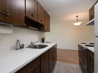 Photo 10: 101 1680 Poplar Ave in : SE Mt Tolmie Condo for sale (Saanich East)  : MLS®# 856970