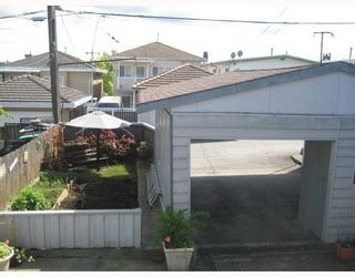 Photo 9: 3216 VENABLES STREET in Vancouver: Renfrew VE House for sale (Vancouver East)  : MLS®# R2028467