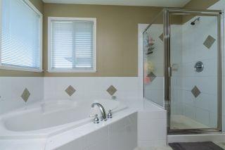 """Photo 11: 6213 167A Street in Surrey: Cloverdale BC House for sale in """"Clover Ridge"""" (Cloverdale)  : MLS®# R2229803"""