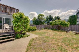 Photo 15: 1021 BROTHERS Place in Squamish: Northyards 1/2 Duplex for sale : MLS®# R2274720