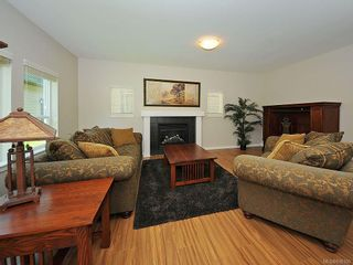 Photo 4: 3392 Merlin Rd in Langford: La Luxton House for sale : MLS®# 616100
