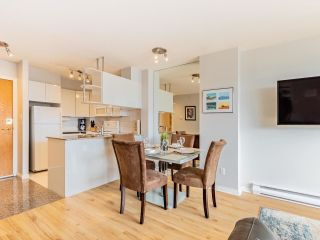 """Photo 9: 2403 1189 HOWE Street in Vancouver: Downtown VW Condo for sale in """"The Genesis"""" (Vancouver West)  : MLS®# R2592204"""