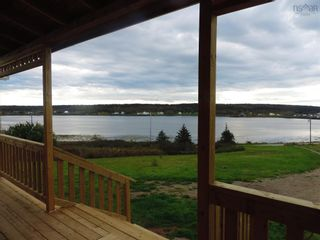 Photo 3: 111 Water Street in Freeport: 401-Digby County Residential for sale (Annapolis Valley)  : MLS®# 202125331