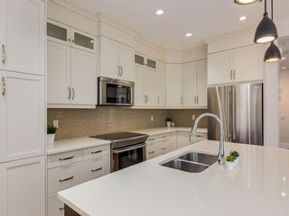 Photo 13: 3808 SARCEE Road SW in Calgary: Currie Barracks Detached for sale : MLS®# A1028243