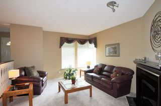 Photo 2: 17 ARROW-WOOD Place in Port Moody: Heritage Mountain House for sale : MLS®# R2177275