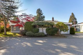 """Photo 3: 124 14271 18A Avenue in Surrey: Sunnyside Park Surrey Townhouse for sale in """"Ocean Bluff Court"""" (South Surrey White Rock)  : MLS®# R2318434"""