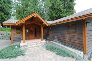 Photo 1: 2489 Forest Drive: Blind Bay House for sale (Shuswap)  : MLS®# 10136151