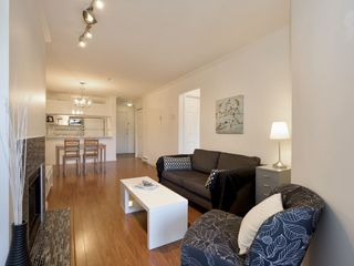 """Photo 5: 307 3638 W BROADWAY Street in Vancouver: Kitsilano Condo for sale in """"CORAL COURT"""" (Vancouver West)  : MLS®# R2354211"""