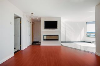 """Photo 4: 703 328 CLARKSON Street in New Westminster: Downtown NW Condo for sale in """"Highbourne Tower"""" : MLS®# R2585007"""