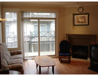 """Photo 4: 22 6233 BIRCH Street in Richmond: McLennan North Townhouse for sale in """"HAMPTONS GATE"""" : MLS®# V689042"""
