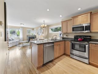 """Photo 1: 4 728 GIBSONS Way in Gibsons: Gibsons & Area Townhouse for sale in """"Islandview Lanes"""" (Sunshine Coast)  : MLS®# R2538180"""