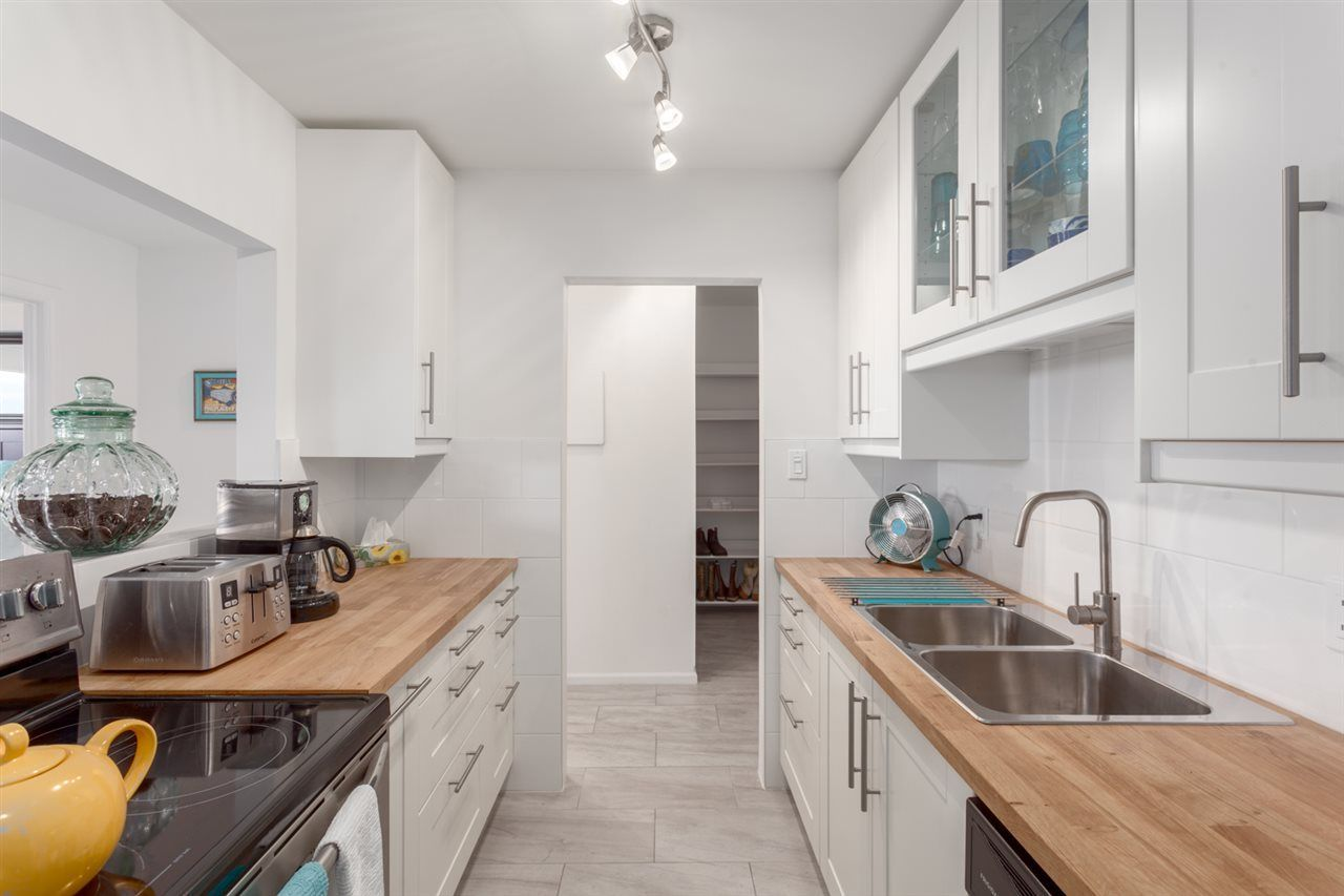 Main Photo: 511 774 GREAT NORTHERN WAY in Vancouver: Mount Pleasant VE Condo for sale (Vancouver East)  : MLS®# R2242318
