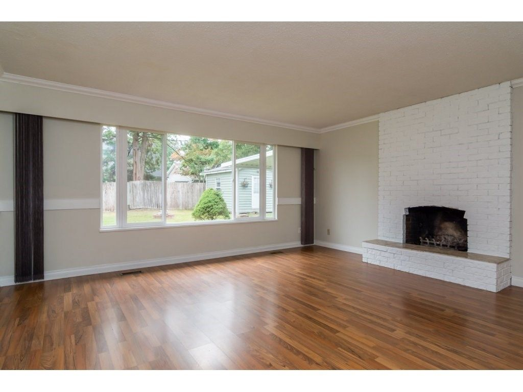 Photo 4: Photos: 9058 WRIGHT Street in Langley: Fort Langley House for sale : MLS®# R2104173