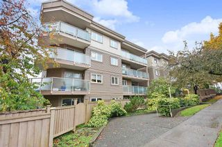 """Photo 1: 303 998 W 19TH Avenue in Vancouver: Cambie Condo for sale in """"SOUTHGATE PLACE"""" (Vancouver West)  : MLS®# R2415200"""