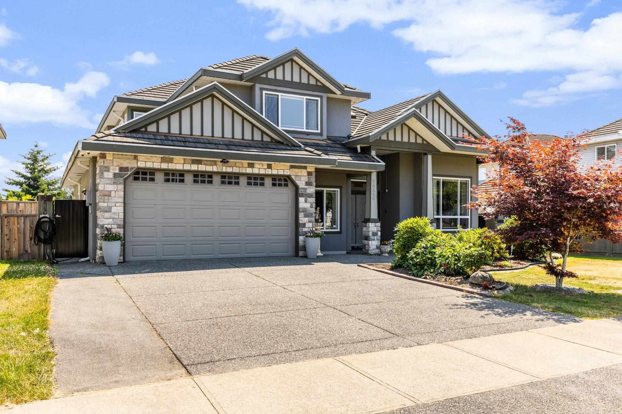 Main Photo: 9926 159 Street in Surrey: Guildford House for sale (North Surrey)  : MLS®# R2601106