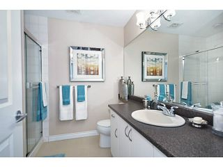 """Photo 12: 18 1268 RIVERSIDE Drive in Port Coquitlam: Riverwood Townhouse for sale in """"SOMERSTON LANE"""" : MLS®# V1045119"""