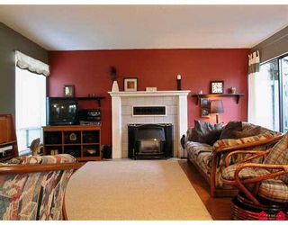 "Photo 2: 3030 TRETHEWEY Street in Abbotsford: Abbotsford West Townhouse for sale in ""Clearbrook Village"" : MLS®# F2700195"