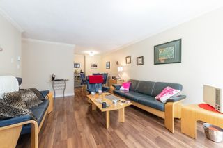 """Photo 9: 217 1850 E SOUTHMERE Crescent in Surrey: Sunnyside Park Surrey Condo for sale in """"SOUTHMERE PLACE"""" (South Surrey White Rock)  : MLS®# R2603585"""