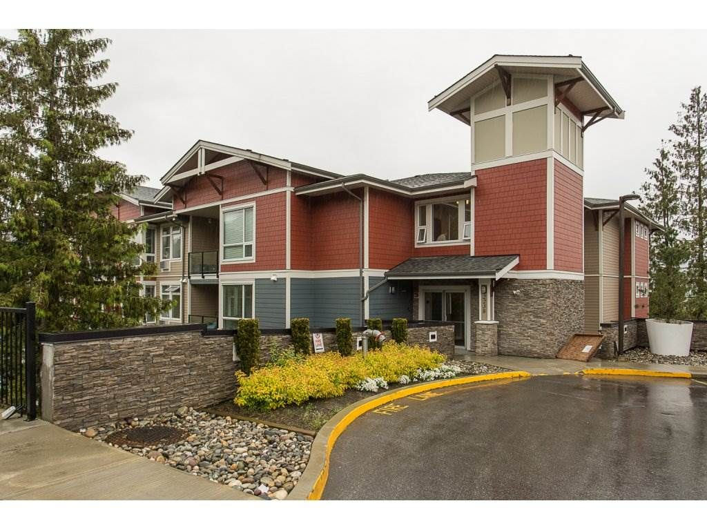 """Main Photo: 315 2238 WHATCOM Road in Abbotsford: Abbotsford East Condo for sale in """"WATERLEAF"""" : MLS®# R2165802"""