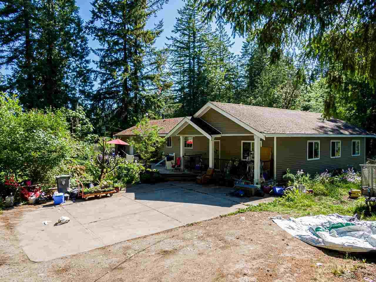 Main Photo: 19860 30 Avenue in Langley: Brookswood Langley House for sale : MLS®# R2590552